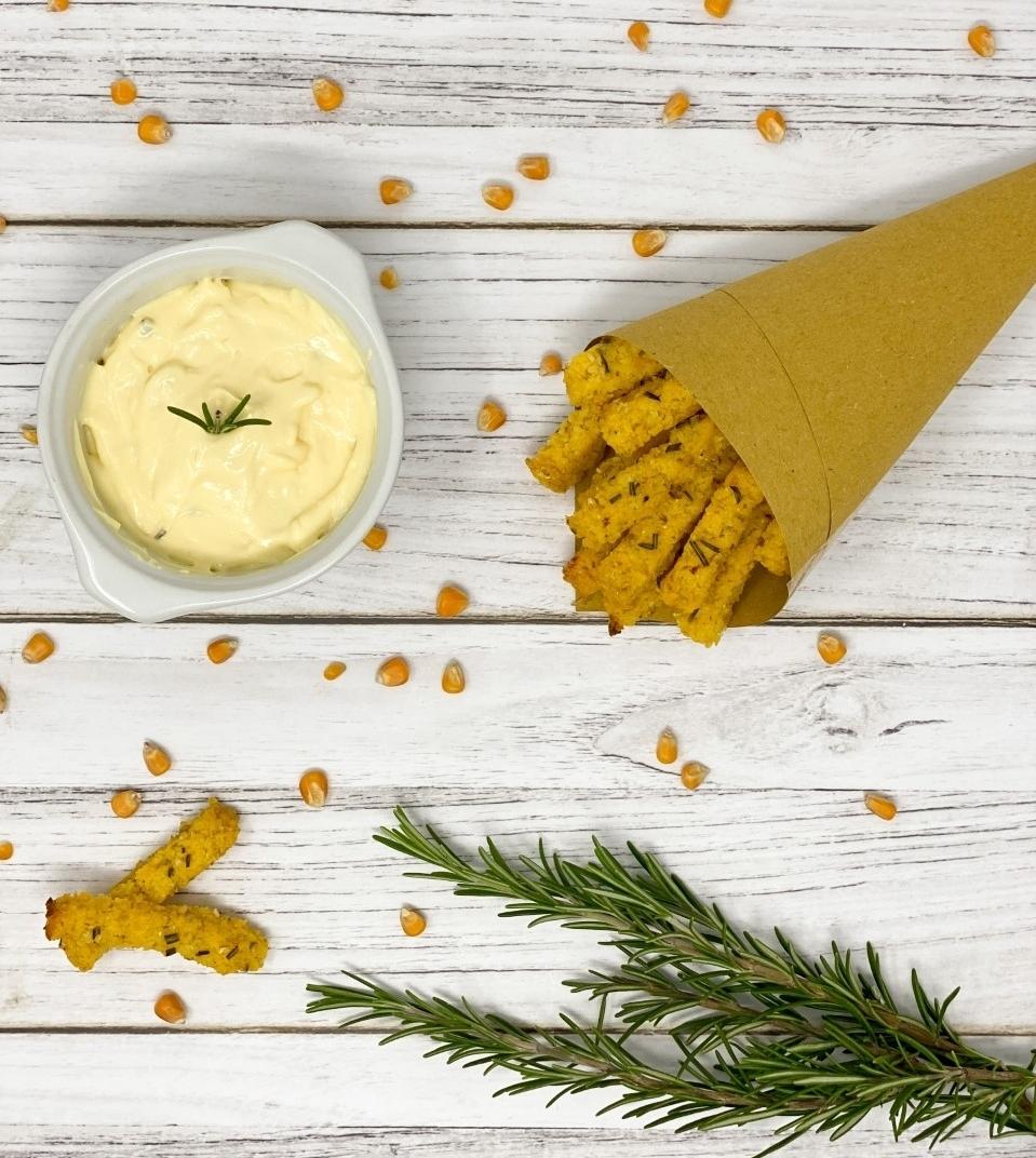 Stick di polenta con maionese all'aglio